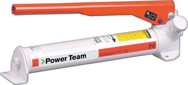 Power Team P12 pumppu on pieni yksitoiminen käsipumppu
