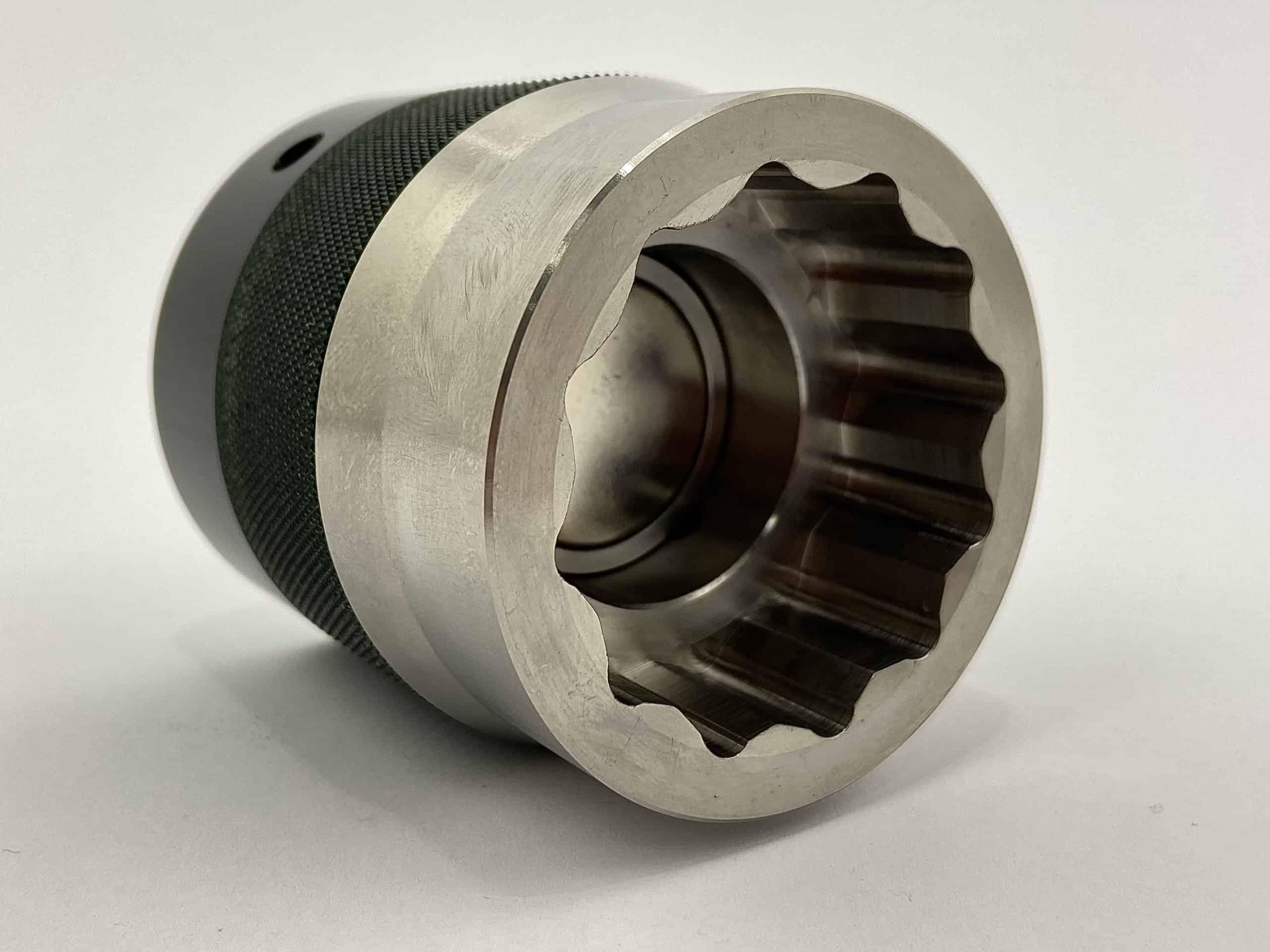 Vudu socket pysyy magneetilla